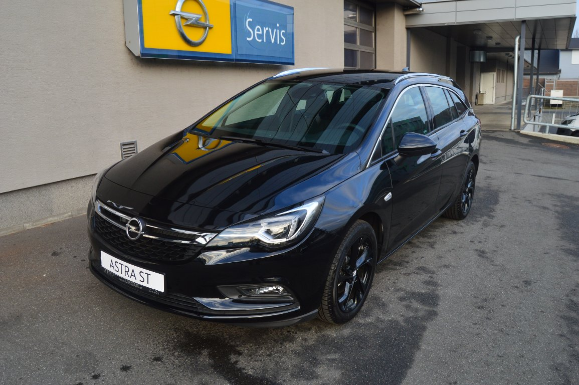 Opel Astra INNOVATION 1.4T AT6